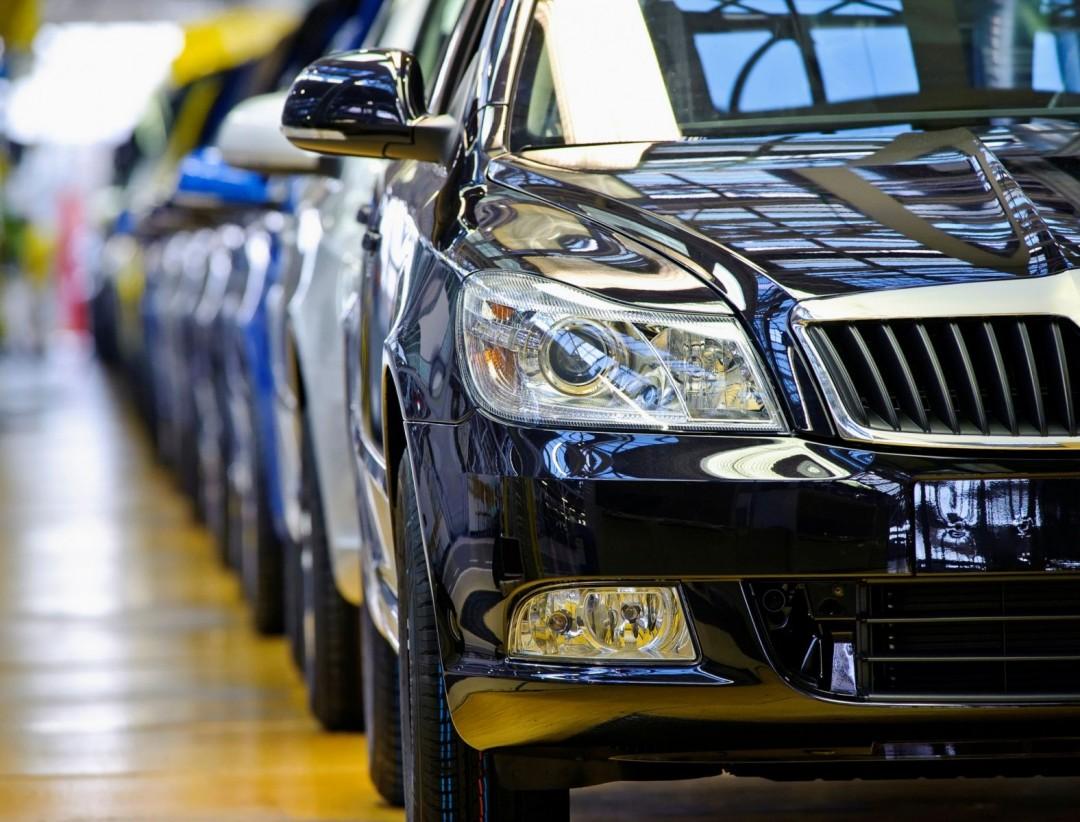 Экономить на автомобилях в 2016 году россияне не стали