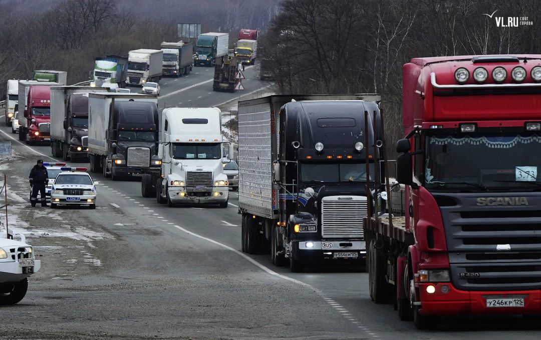 Российские продовольственные объединения попросили отложить повышение тарифов «Платона»